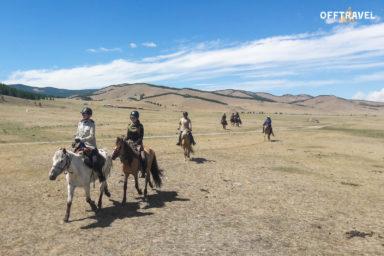Mongolska Przygoda w Siodle